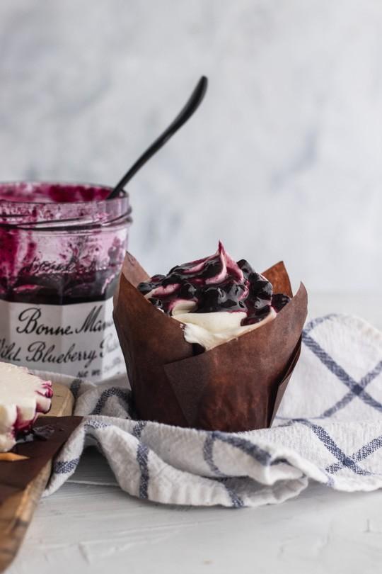 Blueberry Crème Fraîche Cupcakes