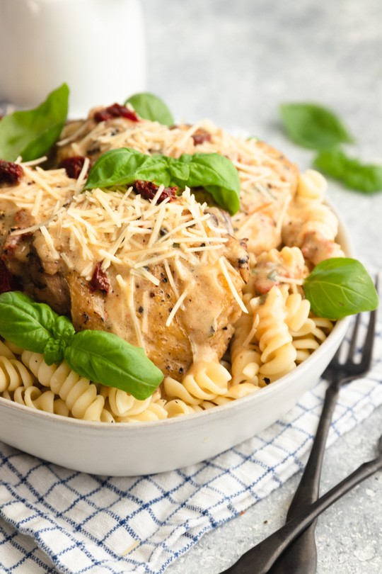Creamy Italian Instant Pot Chicken Thighs and Pasta